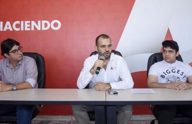 Pedro Wightman, Camilo Cepeda e Isaac Cortissoz, en la Gobernación.
