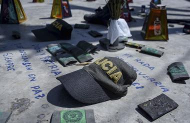 Días después de la tragedia familiares y vecinos levantaron un altar para conmemorar a las víctimas.