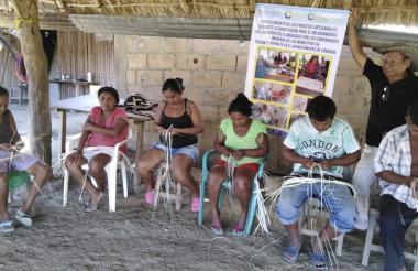 Personas durante un taller en la escuela de formación en Tuchín.