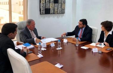 Reunión entre Rafael Martínez y Guillermo Botero.