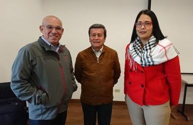 La delegación del ELN, con su jefe negociador a la cabeza Pablo Beltrán.