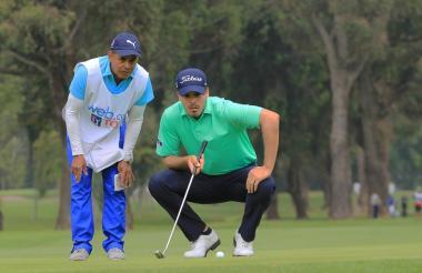 El golfista barranquillero Ricardo 'Pipo' Celia en el Country Club de Bogotá.