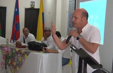 La presentación fue liderada por el alcalde de El Retén, Jhon Vargas Lara.