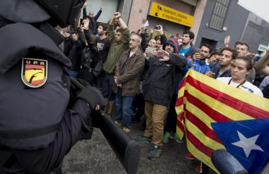 Protestantes seguidores de la independencia.