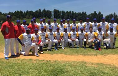 La selección Colombia de Béisbol que clasificó a los Juegos Panamericanos de Lima.