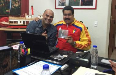 Omar Enrique y Nicolás Maduro.