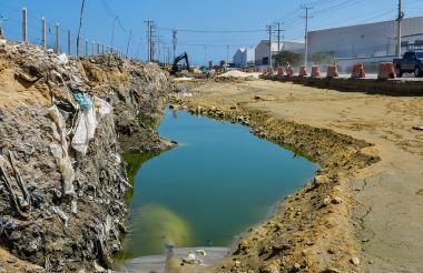 El mal olor y la contaminación son dos de los problemas que aquejan los residentes.