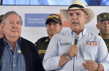 El presidente Duque anunciando la muerte de 'Rodrigo Cadete' y otros nueves disidentes de las Farc.