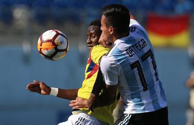 Iván Angulo durante el juego frente a Argentina.