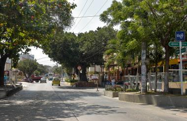 Panorama de la calle 82, entre la carrera 44 y la carrera 43, en El Porvenir.