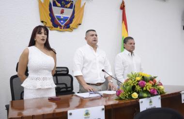 Mesa directiva del Concejo durante la sesión de este lunes.