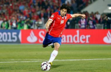 Matías Fernández tiene una larga trayectoria en la selección chilena, con la cual fue campeón de la Copa América 2015.