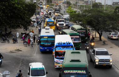 Vehículos de transporte público en Barranquilla.