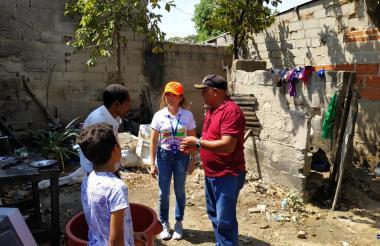Emilia Elitín, secretaria de Salud del Municipio en visitas a los barrios del municipio.