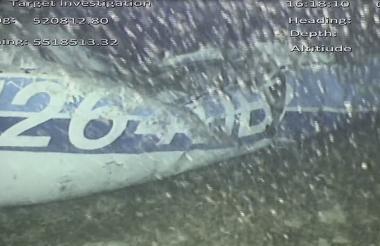Parte del avión encontrado.