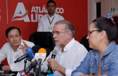 Aspecto de la rueda de prensa realizada en la Gobernación del Atlántico.