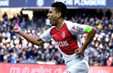 El samario Falcao García celebra el tanto anotado ante el Montpellier.