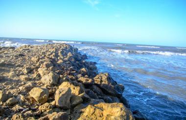 La cuña marina se produce por la filtración de agua salada al río Magdalena.