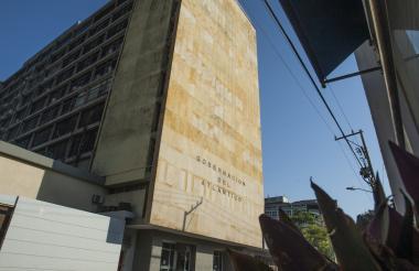 Aspecto de la fachada de la Gobernación del Atlántico, ubicada en el centro de la ciudad de Barranquilla.