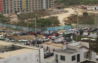 Vista del tráfico represado en la zona de la glorieta de Villa Campestre, la mañana de ayer.