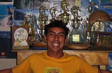 Jorge Junior Albor Argüelles, 'Yoyi', en una fotografía posando con sus trofeos.