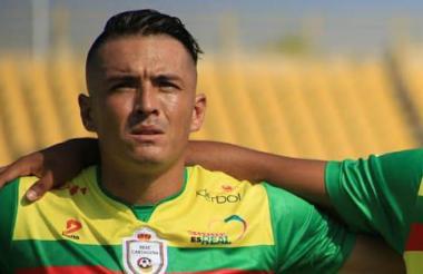 El defensa Jhon Lozano.
