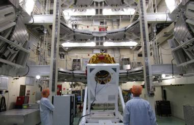 Instalación de la nave Bereshit para pruebas.