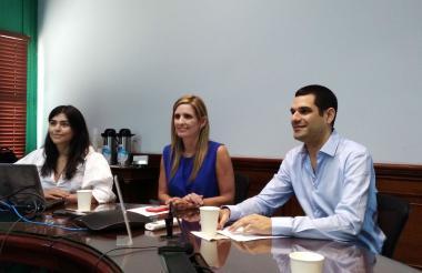 Kelina Puche, directora de Fundesarrollo, María José Vengoechea, presidenta ejecutiva de la Cámara de Comercio, y Efraín Cepeda Tarud, presidente de la junta de la Cámara de Comercio de Barranquilla.