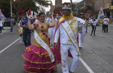 Wendy Cajar y Gustavo Díaz, reyes Fides 2019.