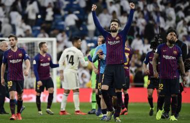 Gerard Piqué celebrando la victoria 3-0 del Barcelona ante el Real Madrid.