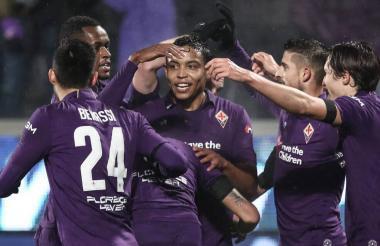 Luis Fernando Muriel festejando un gol con sus compañeros.