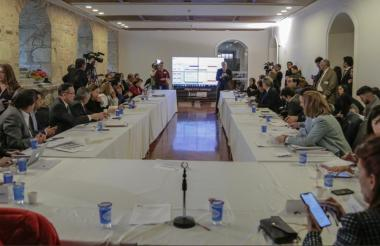Aspecto de la reunión entre los gobernadores de la Costa y la Bancada Caribe.