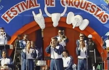 Jerry Rivas (centro) con El Gran Combo en el Festiorquestas.