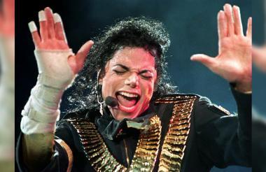 En 1993 Jackson fue acusado de abusar de un niño de 13 años y cerró el caso con un acuerdo extrajudicial.