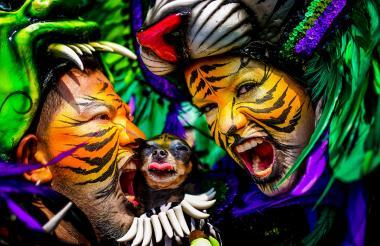 El grupo Selva Africana, bajo la dirección de José Llanos, siempre impacta con su particular maquillaje.