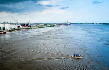 Vista del río Magdalena desde la Sociedad Portuaria de Barranquilla.