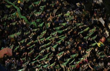 Marcha multitudinaria en Argentina por el Día de la Mujer.