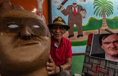 Ismael Escorcia, de 89 años, trabaja en el disfraz de 'El Descabezado' para Quentin Tarantino.