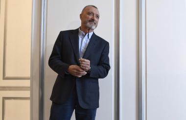El exreportero de guerra español Arturo Pérez-Reverte presentó ayer su libro en un hotel de Madrid.