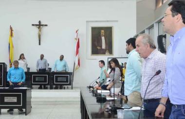 Los diputados durante la reunión de ayer.