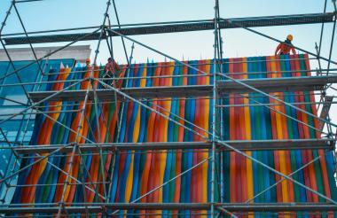 El efecto del color de la fachada del Museo del Carnaval se inspira en la obra del venezolano Carlos Cruz-Díez.