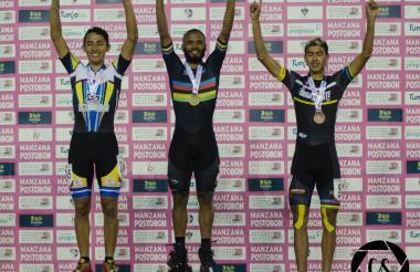 Cujavante subió al podio en los 10.000 metros puntos + eliminación, venciendo a Javier Baldión de Casanare y Mateo Rico de Bogotá.