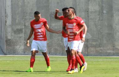 Carlos Esparragoza celebra el tanto ante San Andrés.