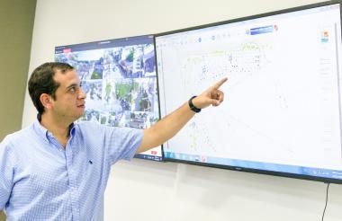 El alcalde Jacobo Quessep explica la importancia de las vías rurales a intervenir con dineros del Contrato Paz Montes de María.