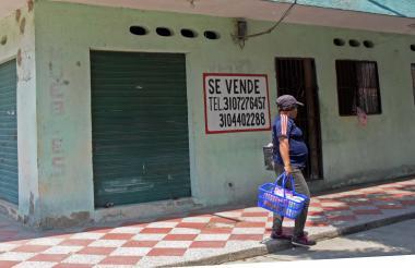 Lugar donde residía la víctima y comercializaba sus flores, en Manuela Beltrán.