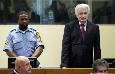 Radovan Karadzic, el carnicero de Bosnia, escucha el fallo este miércoles.