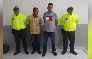 Los presuntos delincuentes capturados mediante orden judicial.