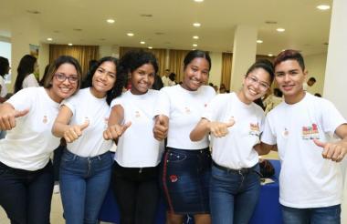 Algunos de los jóvenes capacitados por la Secretaría de Educación Distrital dentro del programa  'No Hay Dos Iguales'.