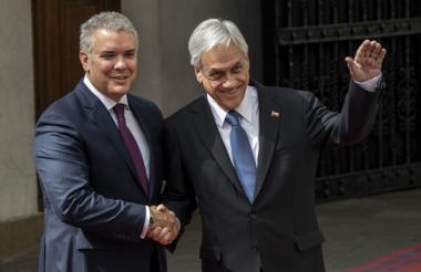 El presidente Duque es recibido por su colega de Chile Sebastián Piñera, a su arribo a Santiago de Chile.