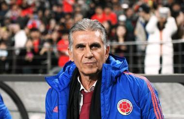 Carlos Queiroz segundos antes del comienzo del juego entre Corea del Sur y la Selección Colombia.